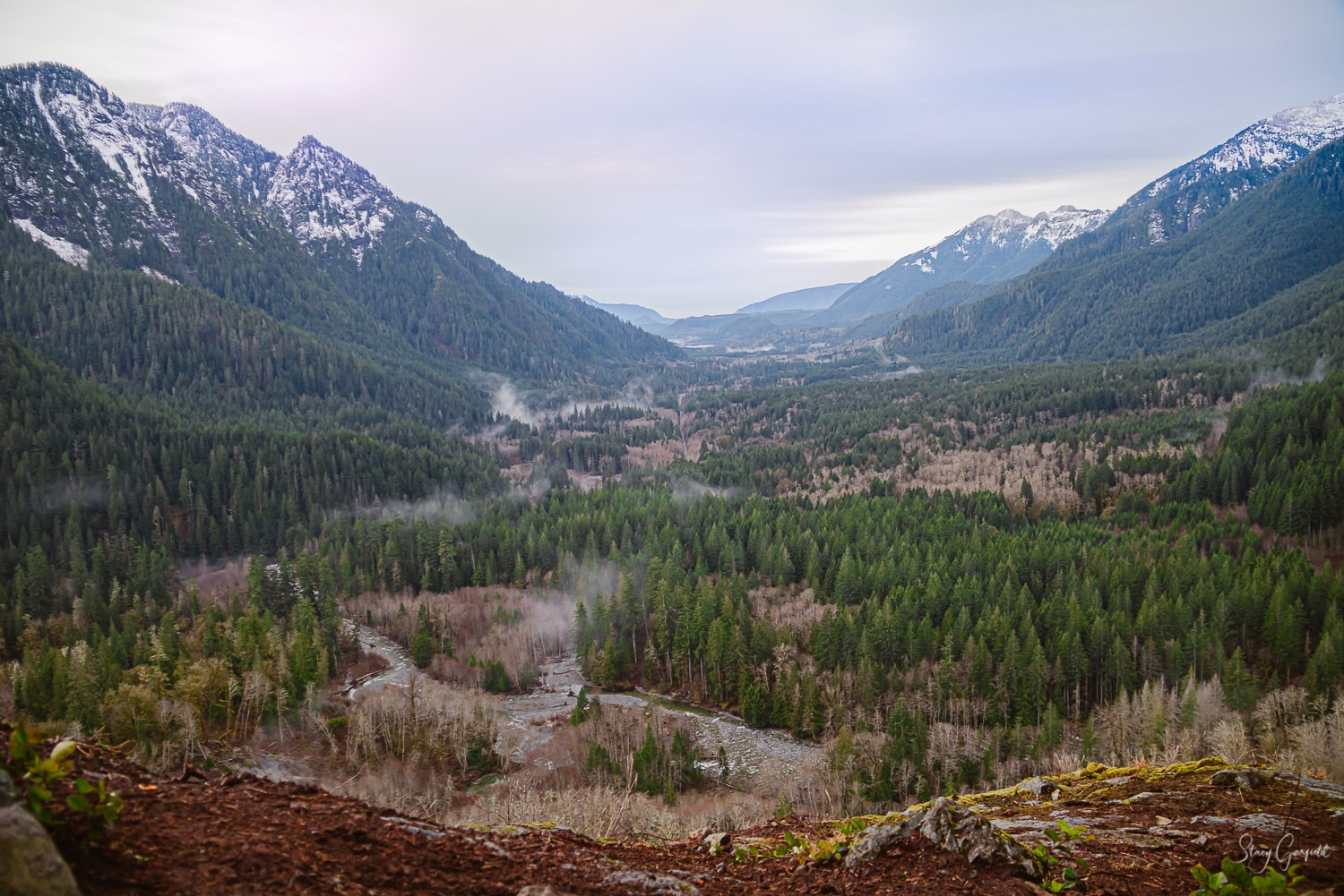 Snoqualmie Valley Elopement Photographer, View of the Middle Fork from Garfield Ledges