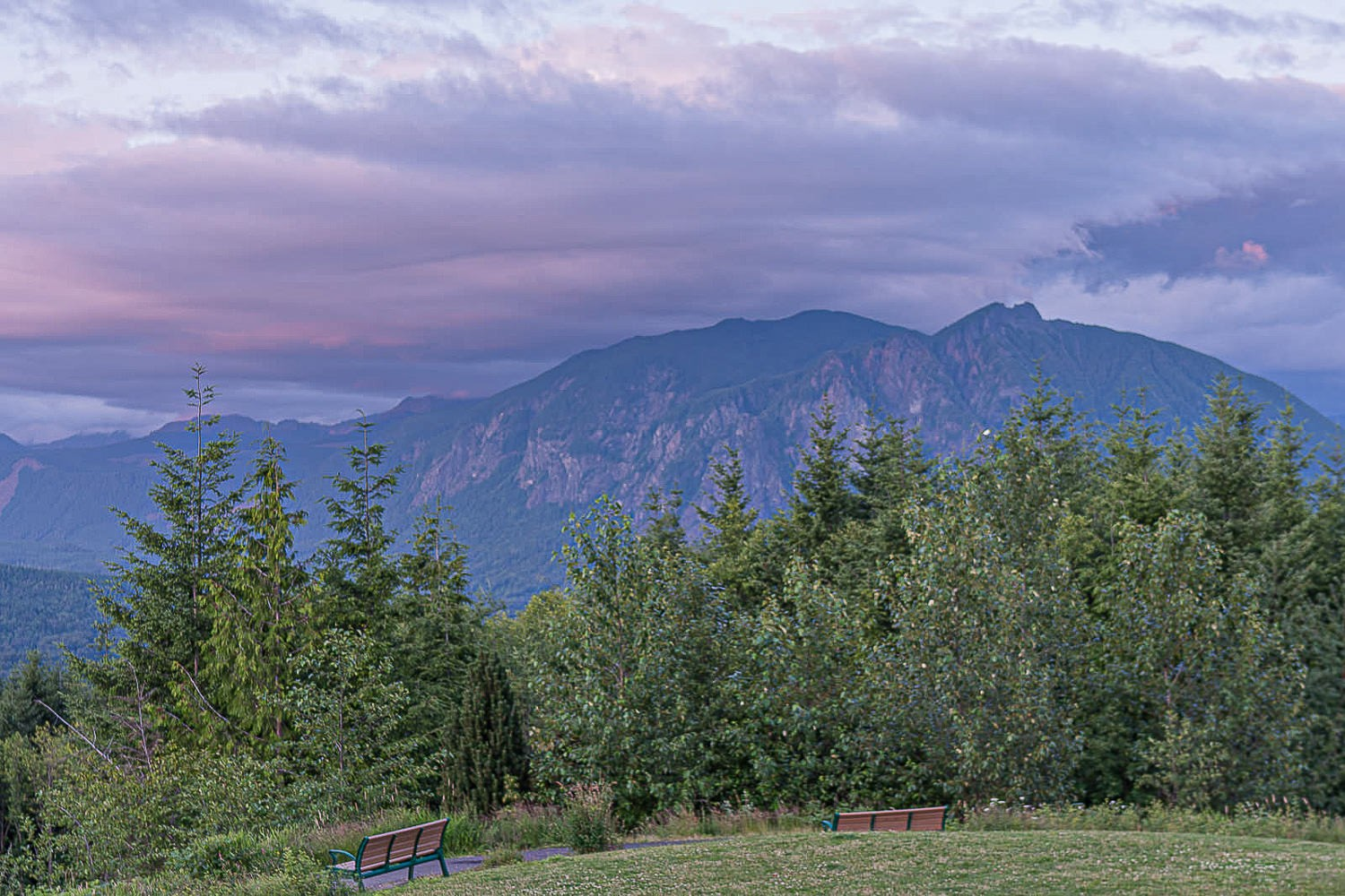 Snoqualmie Valley Elopement Photographer, View of sunset from Snoqualmie Viewpoint