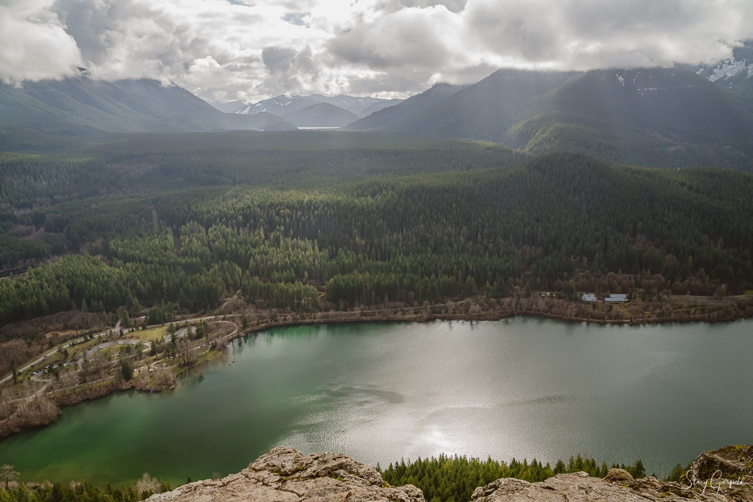 Snoqualmie Valley Elopement Photographer, View of Rattlesnake Lake from the top of Rattlesnake Ledge
